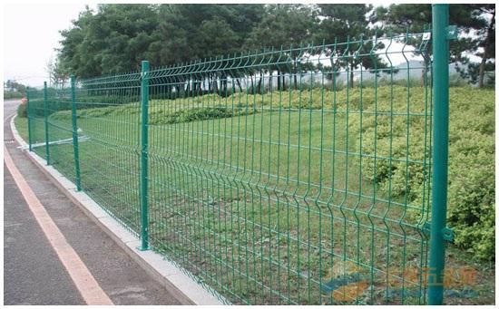 江西铁丝围栏厂家 江西铁丝围栏价格 江西铁丝围栏规格