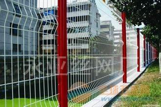 围墙护栏网/哈尔滨包塑护栏网养殖护栏网镀锌护栏网厂家直销