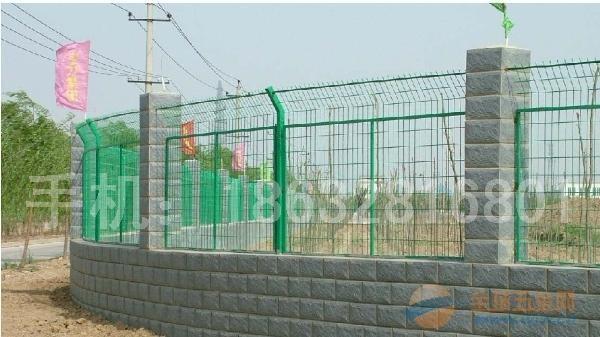 铁路护栏网、铁路护栏网价格、高铁铁路护栏网厂家