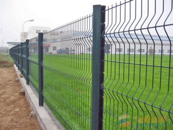 足球场隔离栅;篮球场隔离栅;