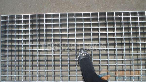 热浸锌格栅板/镀锌钢格栅板