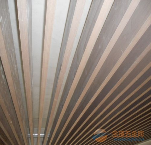 上海铝方通天花吊顶生产厂家