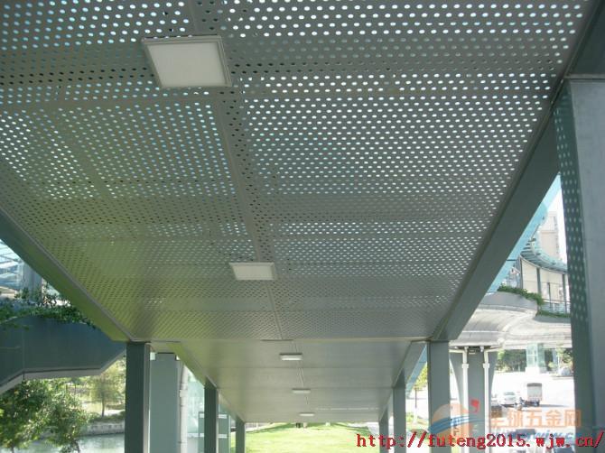 雕刻冲孔铝单板工程应用