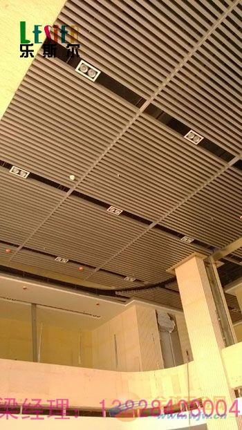 白城40底100高,0.6mm厚木纹铝方通的供应厂商