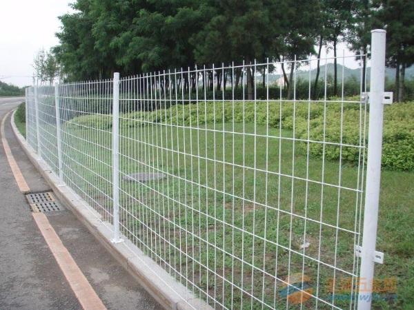 漯河铁丝护栏网防腐处理 漯河铁丝 护栏网市场价格 铁