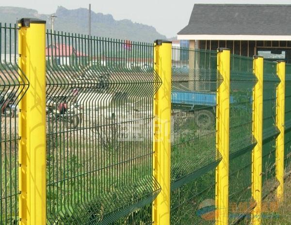 供应场区隔离网价格,供应厦门隔离栅,供应厂区隔离栅