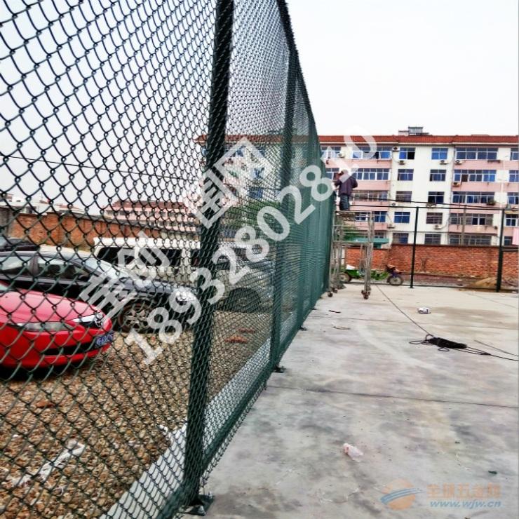 篮球场护栏网产品特征 篮球场护栏网产品特点 篮球场护
