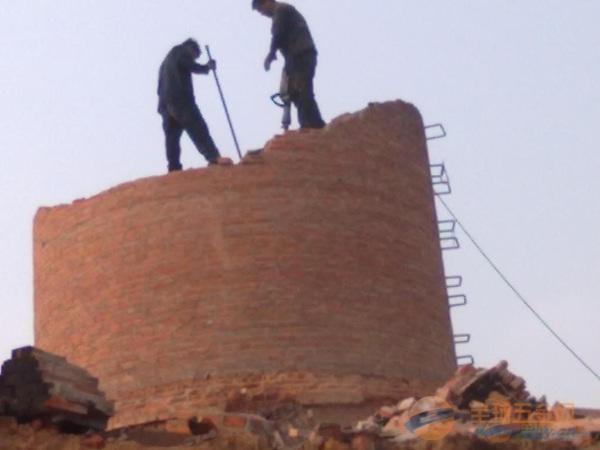 宝安区55米烟囱拆除工程