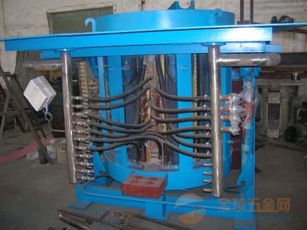 西安蓝辉2T中频钢壳熔炼炉