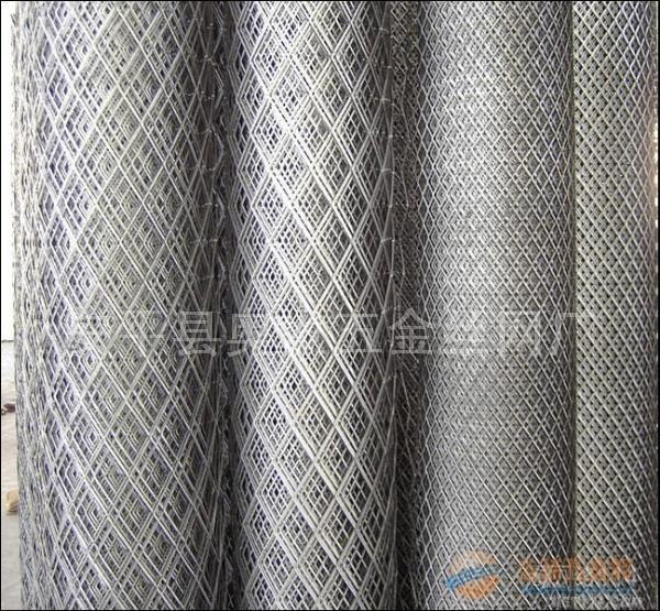 脚踏钢板网价格_不锈钢钢板网生产厂家