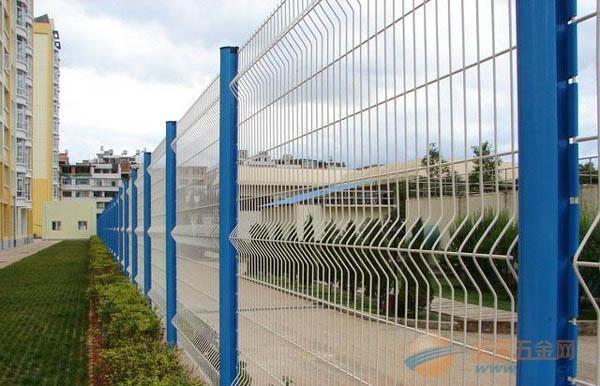 江苏三角折弯护栏网定制厂家良心价良心货
