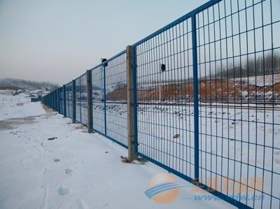 山东高速公路护栏网 高速公路护栏网厂家 高速公路护栏网价格