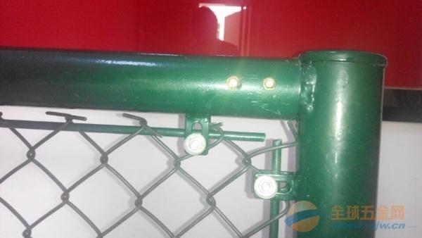 体育护栏网产品材质 体育场护栏网产品常用规格 体育场护栏网网孔