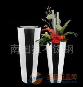 韩式黑色手绘花盆