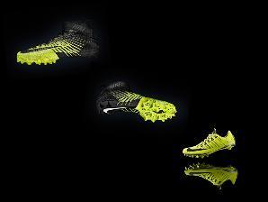 NIKE采用选择性激光烧结制造的鞋子