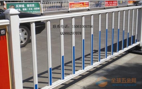 兴化交通护栏厂家,兴化道路栏杆价格,防眩京式栏杆专业厂家样式