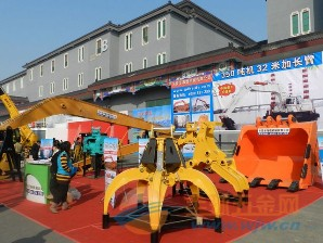2011年北京国际工程机械展会现场