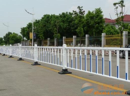 陕西道路护栏厂家、陕西交通栏杆、陕西马路护栏公司