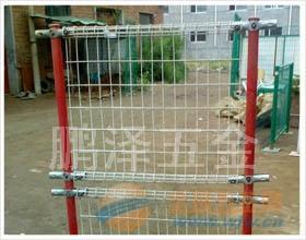 昆明哪的铁丝网便宜*昆明护栏网什么价钱;昆明哪有围栏网卖的;昆明最大的护栏网厂