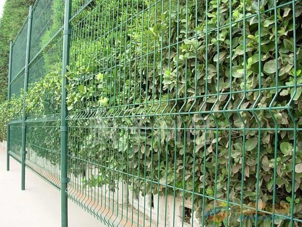 上海围栏网生产厂家*上海铁丝网直接生产商*上海铁丝网围栏网销售基地