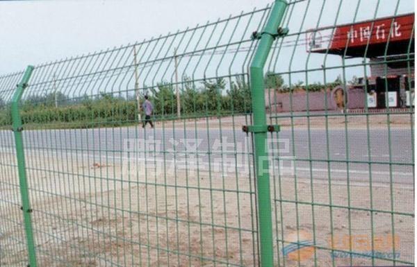 厂家直销公路护栏网,厂家现货供应公路用的铁丝网,厂家大量销售公路围栏网