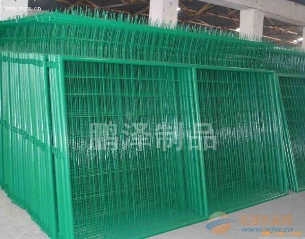 武汉哪有卖养殖用的铁丝网围栏的*武汉养殖围栏网直接生产*武汉最新最全围栏生产