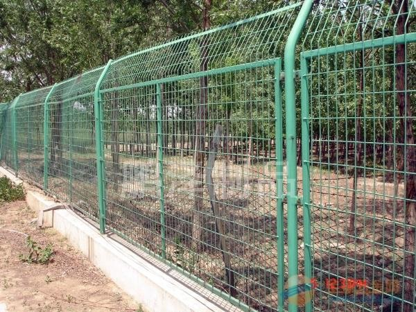 花园铁丝网围栏/花池铁丝网围栏/花坛铁丝网围栏/草坪铁丝网围栏