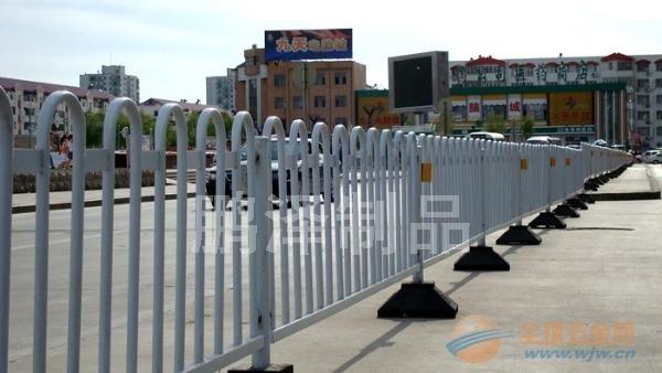 建筑围栏网 商业围栏网 场地围栏网 场地隔离网 场会隔离网 展会隔离网