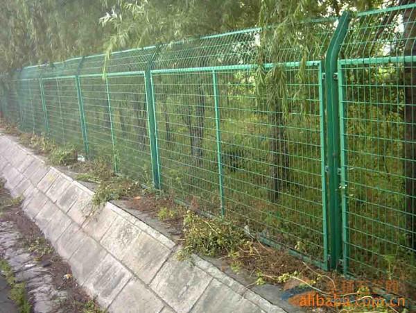 山西护栏网厂家 机场护栏网 绿化带护栏网