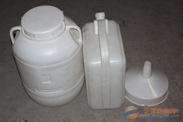 成都多用途塑料橡胶桶低价批发