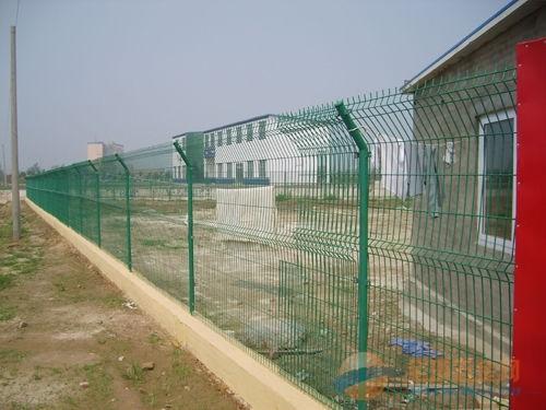 小区隔离栅/工厂防护网/厂区隔离网/厂房隔离网