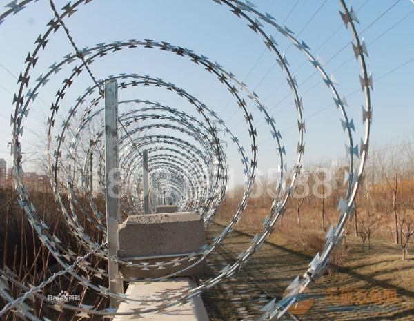 铁路栅栏、钢丝网栅栏重要的交通设施