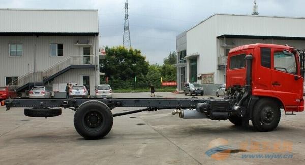 东风天锦160马力4X2载货车