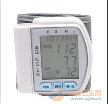 厂家热销低价腕式血压计 家用老年人用血压计