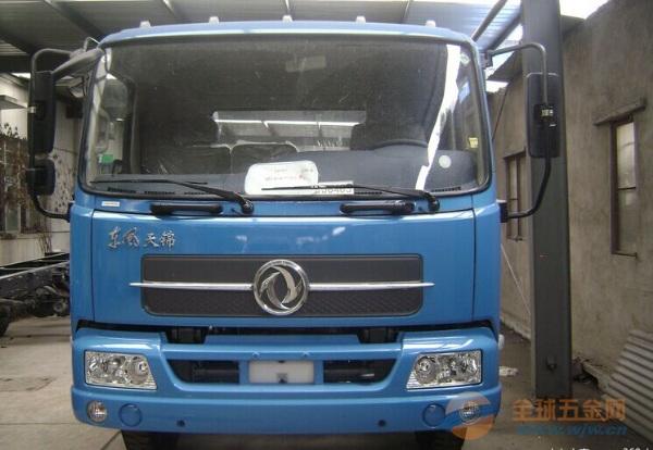 东风 天锦中卡 180马力 4X2 排半栏板载货车