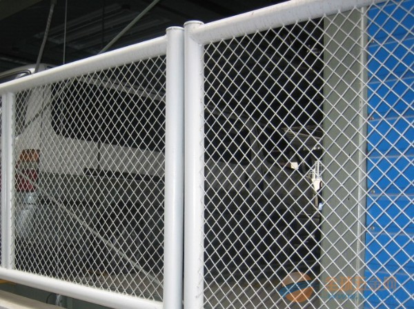 钢板网护栏网厂家 钢板网护栏网价格 钢板网护栏网规格 钢板网护栏网