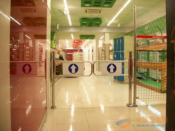 北京超市双开进出入口器自动感应单向门导向门