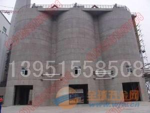 二连浩特市清理30000吨粉煤灰库