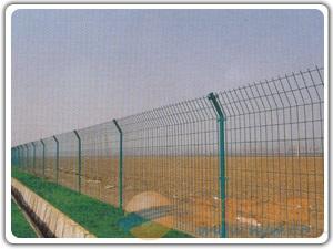 云南哪里有山地养鸡铁丝网围栏卖?