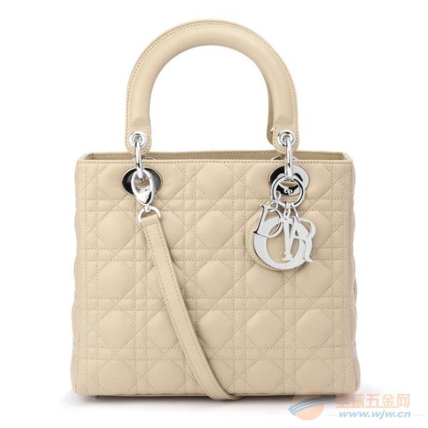 国际知名的牌子仿牌包包要发到马来西亚国外怎么邮寄价格多少