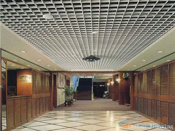 厂家供应乐斯尔品牌 垂片铝方通吊顶天花 餐馆铝格栅吊顶 定做图片