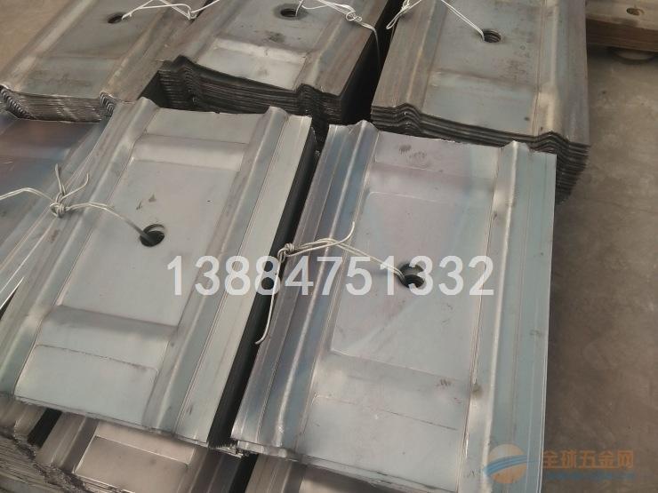 建材加工W钢带护板