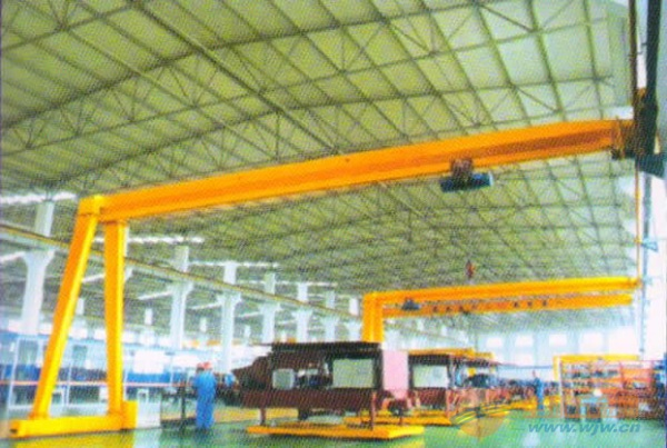 10吨电动葫芦半门式起重机