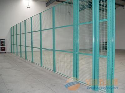 浸塑框架護欄網高度_菱形鋼板網護欄價格