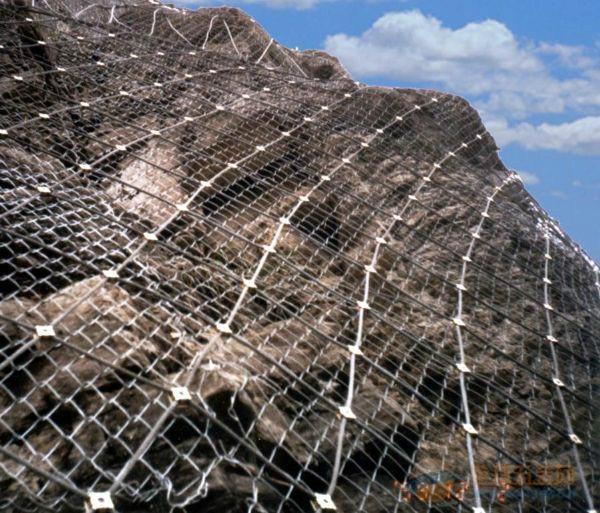 孟村回族自治县雷诺护垫石笼网生产厂家