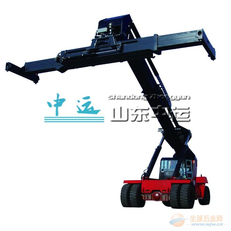 山东中运集团(Shandong China Transport Logistics Equipments Group),注册资金5000万,是一家集科研、设计、生产、加工、营销、物流运输为一体的大型现代化制造企业。集团主要经营大型工程机械装备、铁路设备、建筑机械、道路运输设备、航运设备、航空设备等产品,年销售额达5亿元。 近年来,山东中运物流集团积极响应国家号召,不断在销售模式上开拓创新,大力发展电子商务B2B平台建设,自主开发运营了国内大型车船交易电子商务综合服务平台中国车船交易网,目前注册会员达10