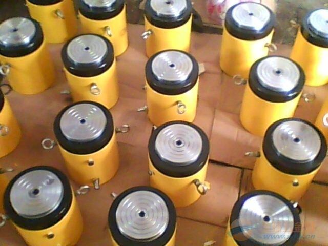 自锁式液压千斤顶泰州顶力机械专业生产