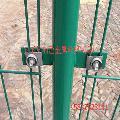 浸塑护栏网 双边丝护栏 三角折弯护栏网批发