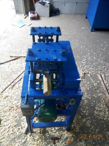 新款半自动刨削木工机械
