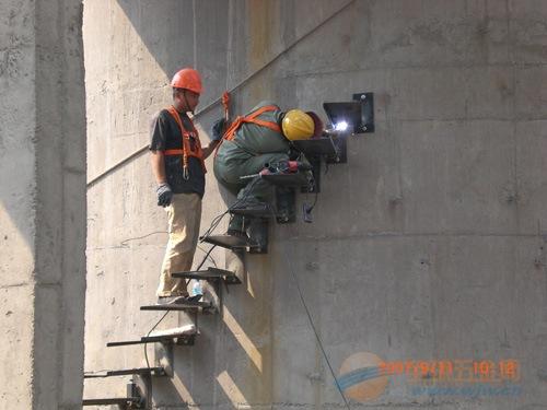 烟台烟囱安装爬梯公司